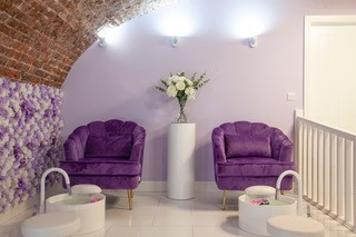 The salon in the converted cellar