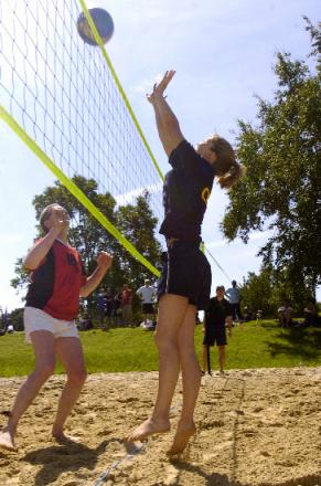 Volleyball to hit Weston beach this weekend
