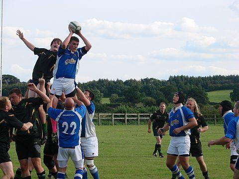Tom Stevens in the lineout being lifted by skipper Matt Slater. PHOTO: Sally Flack
