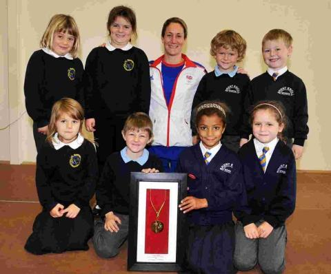 Weightlifter visits Berrow pupils