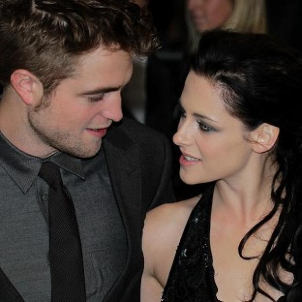Kristen Stewart reportedly said sorry to Robert Pattinson with a video