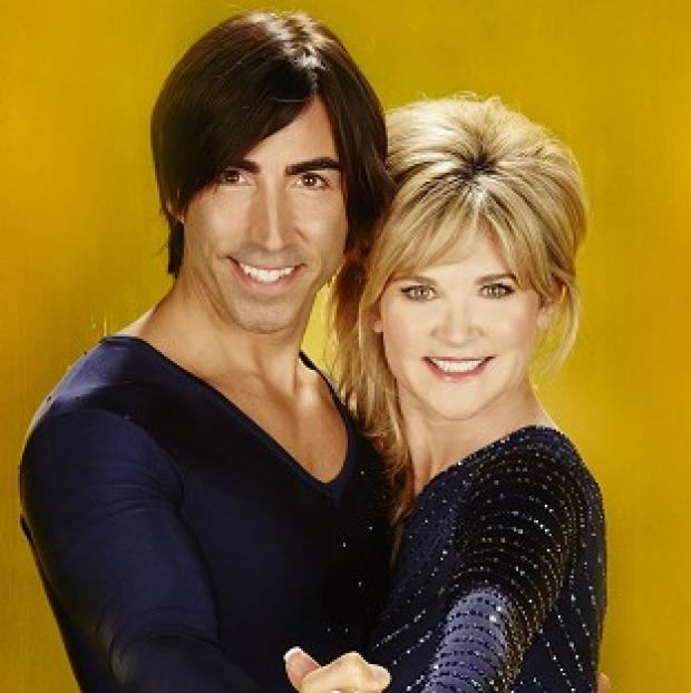 Burnham and Highbridge Weekly News: Anthea Turner skates with Canadian pro Andy Buchanan on Dancing On Ice