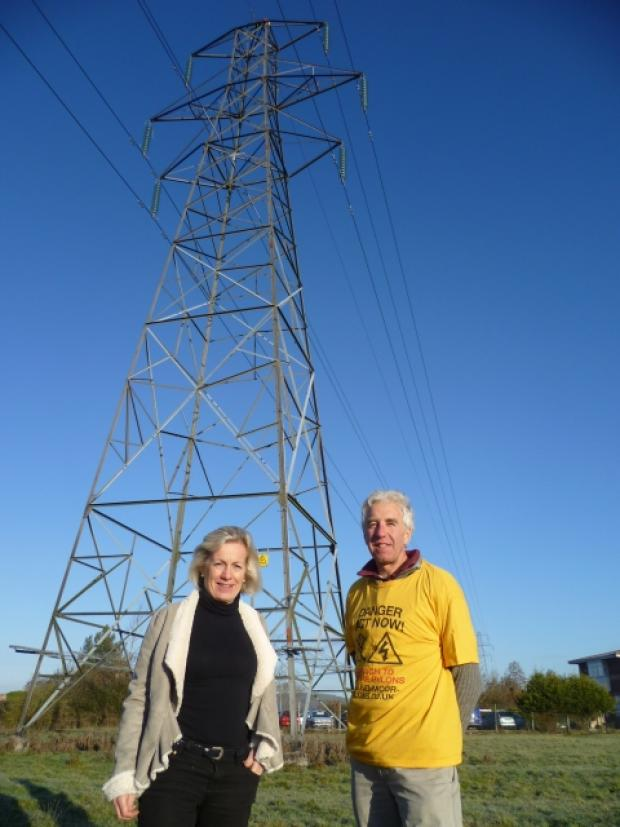 Tessa Munt MP with Paul Hipwell, from campaign group No Moor Pylons.