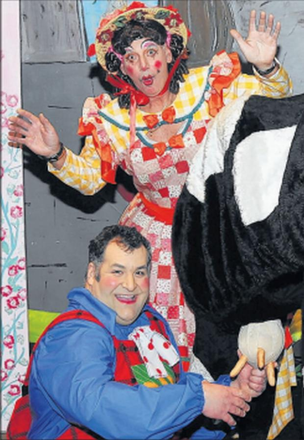 Burnham and Highbridge Weekly News: ACTORS Melvyn Sheppard and Rob Blackmore in the society's 2013 panto.