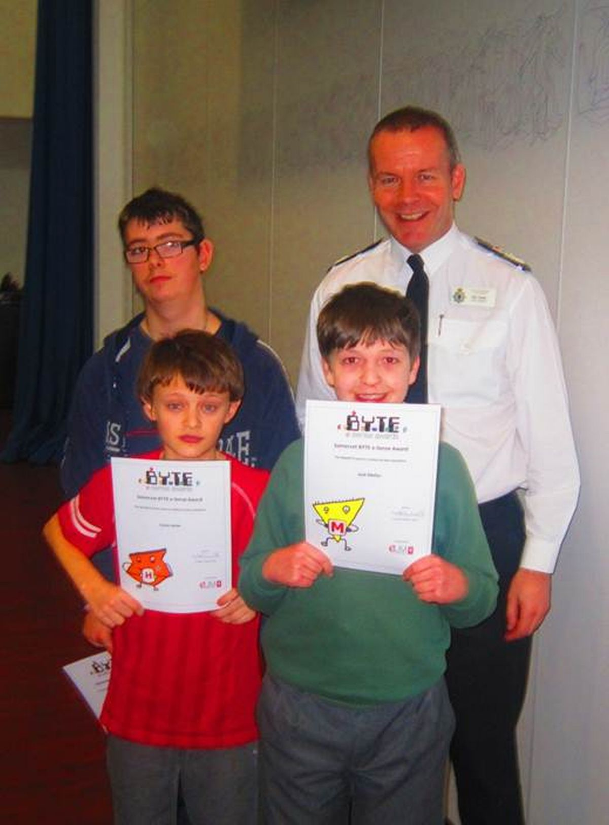 Chief Constable Nick Gargan handed out certificates to the pupils