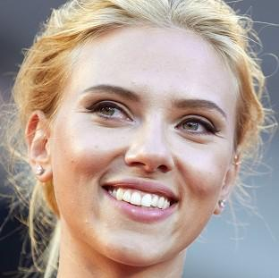 Scarlett Johansson is ending her relationsh