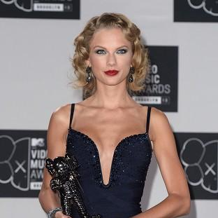 Burnham and Highbridge Weekly News: Taylor Swift says she finds it easy to keep her clothes on