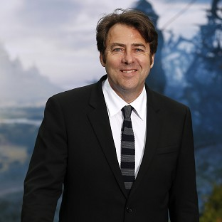 Jonathan Ross will take part in a celebrity version of Tipping Poin