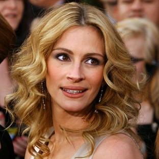 Julia Roberts said she used to think she was prettier than Halle Berry