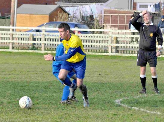 Wayne on Hand to give Highbridge perfect start to life in the County League