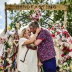 Burnham and Highbridge Weekly News: Couple tie the knot at Glastonbury Festival